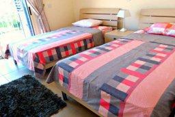 Спальня 2. Кипр, Лачи : Потрясающая вилла с 3-мя спальнями, с бассейном, красивым ландшафтным садом, тенистой террасой с патио и барбекю