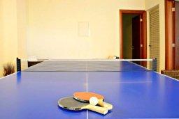 Развлечения и отдых на вилле. Кипр, Аргака : Роскошная вилла с 4-мя спальнями, с бассейном и джакузи, красивым ландшафтным садом, патио, барбекю, настольным теннисом теннисом и бильярдом