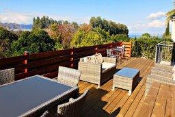 Патио. Кипр, Аргака : Прекрасная вилла с видом на море, с 3-мя спальнями, с бассейном, с тенистой террасой с патио и барбекю, расположена рядом с морем и имеет прямой доступ к песчаному пляжу