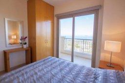 Спальня. Кипр, Друсхия : Великолепная вилла с видом на море, с 4-мя спальнями, с бассейном, сауной и джакузи, расположена на краю красивого национального парка Akamas