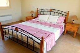Спальня 2. Кипр, Хлорака : Комфортабельная вилла с 3-мя спальнями, с бассейном, тенистой террасой с патио и барбекю