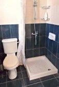 Ванная комната. Кипр, Корал Бэй : Очаровательная вилла с 3-мя спальнями, с бассейном, приватным двориком с патио и барбекю, в окружение зелёного сада