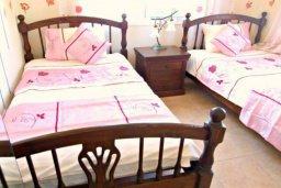 Спальня 2. Кипр, Корал Бэй : Очаровательная вилла с 3-мя спальнями, с бассейном, приватным двориком с патио и барбекю, в окружение зелёного сада