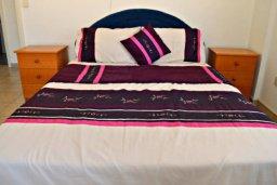 Спальня 2. Кипр, Корал Бэй : Комфортабельная вилла с 3-мя спальнями, с бассейном, уютным двориком с патио и барбекю