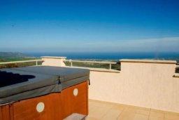 Развлечения и отдых на вилле. Кипр, Друсхия : Потрясающая вилла с видом на море, с 4-мя спальнями, с бассейном, сауной и джакузи, расположена на краю красивого национального парка Akamas