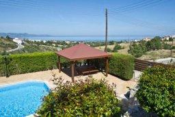 Территория. Кипр, Аргака : Волшебная вилла с видом на залив Chrysochou Bay и на полуостров Akamas, с 3-мя спальнями, с бассейном, приватным двориком с беседкой с патио и барбекю