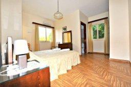 Спальня 2. Кипр, Аргака : Прекрасная современная вилла с 4-мя спальнями, с бассейном, уютным двориком с патио и барбекю, расположена всего в  200 метрах от пляжа