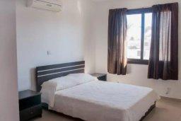 Спальня. Кипр, Ларнака город : Современный просторный и комфортный таунхаус с 3-мя спальнями для 7-ых человек в тихом и спокойном месте.