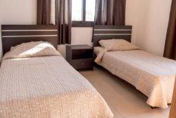 Спальня 2. Кипр, Ларнака город : Современный просторный и комфортный таунхаус с 3-мя спальнями для 7-ых человек в тихом и спокойном месте.