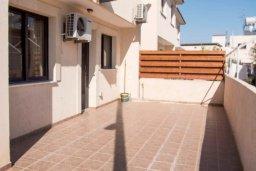 Балкон. Кипр, Ларнака город : Современный просторный и комфортный таунхаус с 3-мя спальнями для 7-ых человек в тихом и спокойном месте.