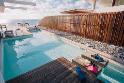 Бассейн. Кипр, Помос : Замечательная вилла с 4-мя спальнями, с бассейном и двориком для 10-ти гостей