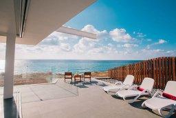 Терраса. Кипр, Помос : Замечательная вилла с 4-мя спальнями, с бассейном и двориком для 10-ти гостей