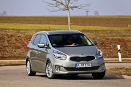 Kia Carens 1.5 автомат : Кипр