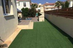 Территория. Кипр, Нисси Бич : Современная вилла с бассейном и приватным двориком с барбекю, просторная гостиная, 2 спальни, парковка, Wi-Fi