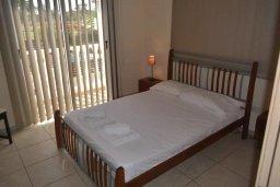 Спальня. Кипр, Нисси Бич : Современная вилла с бассейном и приватным двориком с барбекю, просторная гостиная, 2 спальни, парковка, Wi-Fi