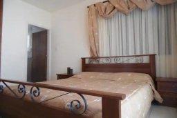 Спальня. Кипр, Каппарис : Потрясающая вилла с видом на Средиземное море, с 4-мя спальнями, 4-мя ванными комнатами, бассейном, большой террасой, барбекю, расположена в Каппарисе в 100 метрах от пляжа