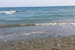 Ближайший пляж. Кипр, Менеу : Прекрасная пляжная вилла с зеленым двориком с барбекю, 3 спальни, 2 ванные комнаты, парковка, Wi-Fi