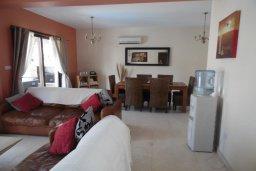 Гостиная. Кипр, Коннос Бэй : Современная вилла с бассейном и двориком с барбекю и патио, 100 метров до моря,