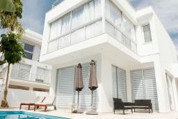 Вид на виллу/дом снаружи. Кипр, Декелия - Пила : Современная вилла с бассейном в 50 метрах от пляжа, 2 спальни, парковка, Wi-Fi