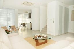 Гостиная. Кипр, Декелия - Пила : Современная вилла с бассейном в 50 метрах от пляжа, 3 спальни, парковка, Wi-Fi