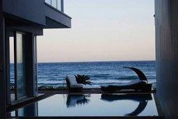 Бассейн. Кипр, Декелия - Пила : Современная пляжная вилла с бассейном и террасой с видом на море, 3 спальни, парковка, Wi-Fi
