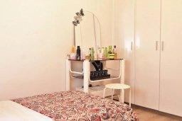 Спальня. Кипр, Ларнака город : Современный апартамент в 10 минутах ходьбы от центральной набережной, с гостиной, тремя спальнями и двумя ванными комнатами