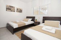 Спальня 2. Кипр, Каппарис : Современный апартамент в комплексе с общим бассейном и детской площадкой, с большой гостиной, двумя спальнями и балконом