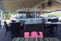 Santa Barbara Resto & Beach Bar в Лачи