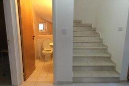 Лестница наверх. Кипр, Ионион - Айя Текла : Прекрасная вилла с зеленым двориком недалеко от пляжа, 3 спальни, терраса для загара, парковка, беседка, Wi-Fi