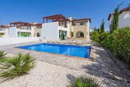 Фасад дома. Кипр, Ионион - Айя Текла : Современная вилла с бассейном и двориком с барбекю, 3 спальни, 2 ванные комнаты, парковка, Wi-Fi