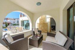 Патио. Кипр, Ионион - Айя Текла : Современная вилла с бассейном и двориком с барбекю, 3 спальни, 2 ванные комнаты, парковка, Wi-Fi