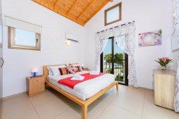 Спальня. Кипр, Ионион - Айя Текла : Современная вилла с бассейном и двориком с барбекю, 3 спальни, 2 ванные комнаты, парковка, Wi-Fi