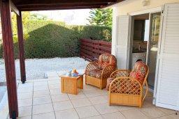 Терраса. Кипр, Корал Бэй : Уютная вилла с бассейном и двориком с барбекю, 2 спальни, 2 ванные комнаты, парковка, Wi-Fi
