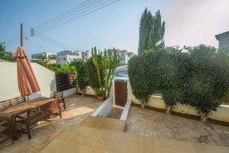 Территория. Кипр, Каппарис : Роскошный апартамент с 2-мя спальнями, с бассейном и приватным двориком с патио