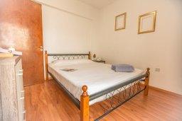 Спальня. Кипр, Центр Айя Напы : Современный апартамент в центре Ай-Напы, с гостиной, двумя спальнями и балконом