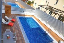 Бассейн. Кипр, Пернера Тринити : Современная вилла с видом на Средиземное море, с 3-мя спальнями, с бассейном, солнечной террасой на крыше с джакузи, расположена около пляжа Trinity Beach