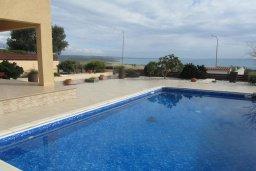 Бассейн. Кипр, Писсури : Великолепная вилла с бассейном и видом на море, 3 спальни, 2 ванные комнаты, дворик с барбекю, парковка, Wi-Fi