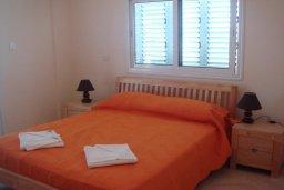 Спальня 2. Кипр, Паралимни : Уютная вилла с бассейном и двориком с барбекю, 4 спальни, 2 ванные комнаты, парковка, Wi-Fi