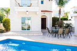 Вид на виллу/дом снаружи. Кипр, Каво Марис Протарас : Роскошная вилла с видом на море, с 3-мя спальнями, 3-мя ванными комнатами, с бассейном, патио, барбекю и уютной террасой на крыше