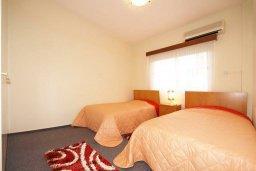 Спальня 2. Кипр, Мутаяка Лимассол : Прекрасный апартамент в комплексе с бассейном, с гостиной, двумя спальнями и большим бассейном
