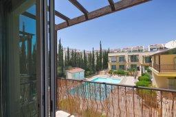 Балкон. Кипр, Гермасойя Лимассол : Таунхаус в комплексе с бассейном, с гостиной, двумя спальнями, двумя ванными комнатами и балконом