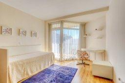 Спальня 2. Кипр, Мутаяка Лимассол : Апартамент в комплексе с бассейном в 100 метрах от пляжа, с гостиной, двумя спальнями, двумя ванными комнатами и балконом