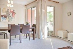 Гостиная. Кипр, Св. Рафаэль Лимассол : Апартамент в комплексе с бассейном, тренажерным залом и детской площадкой, с гостиной, двумя спальнями и балконом