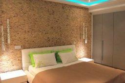 Спальня. Кипр, Ларнака город : Современный апартамент в 20 метрах от пляжа, с гостиной, двумя спальнями, двумя ванными комнатами и большим балконом с шикарным видом на море