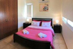 Спальня 2. Кипр, Пернера : Уютная вилла с бассейном и двориком с барбекю, 3 спальни, 2 ванные комнаты, парковка, Wi-Fi
