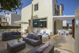 Патио. Кипр, Санрайз Протарас : Великолепная вилла с 3-мя спальнями, с просторным двориком с патио, барбекю и настольным теннисом, расположена в центре Протараса