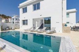 Фасад дома. Кипр, Каво Марис Протарас : Потрясающая современная вилла с 3-мя спальнями, бассейном, уютным двориком с патио барбекю, меблированной террасой на крыше, расположена недалеко от пляжей Konnos Beach и Fig Tree Bay