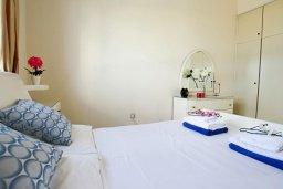 Спальня. Кипр, Каво Марис Протарас : Уютный апартамент с балконом с потрясающим видом на море, с гостиной и отдельной спальней, расположен недалеко от пляжа Cavo Maris Beach