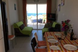 Гостиная. Кипр, Каво Марис Протарас : Апартамент с гостиной, двумя спальнями и большим балконом с видом на море