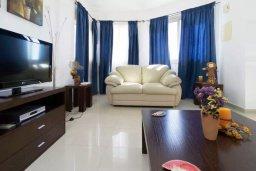 Гостиная. Кипр, Лачи : Прекрасная вилла с бассейном и двориком с барбекю, 3 спальни, 2 ванные комнаты, парковка, Wi-Fi